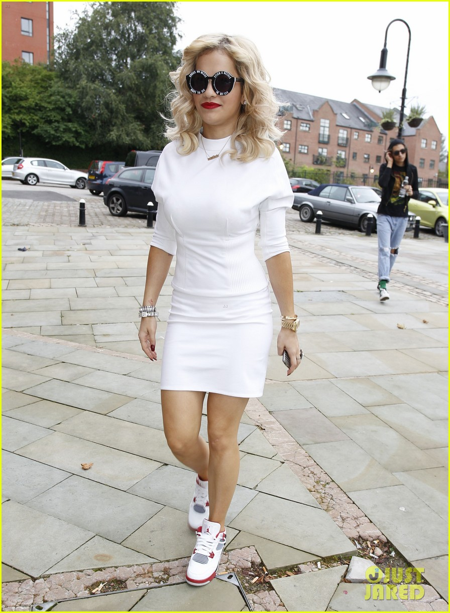 rita ora sunglasses 03