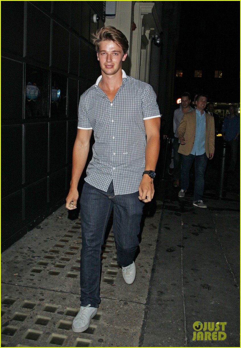 patrick schwarzenegger london nightclub with sis katherine 022701389