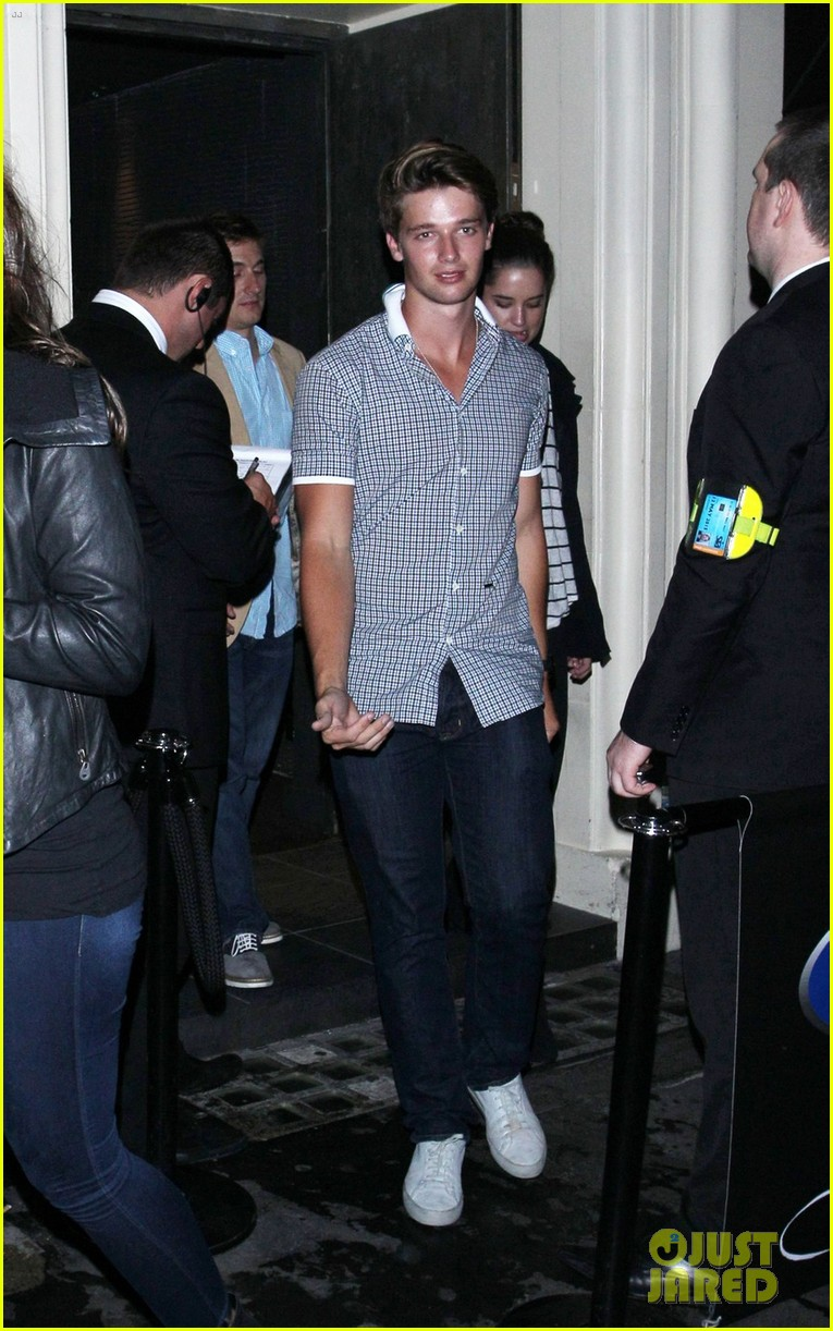 patrick schwarzenegger london nightclub with sis katherine 06