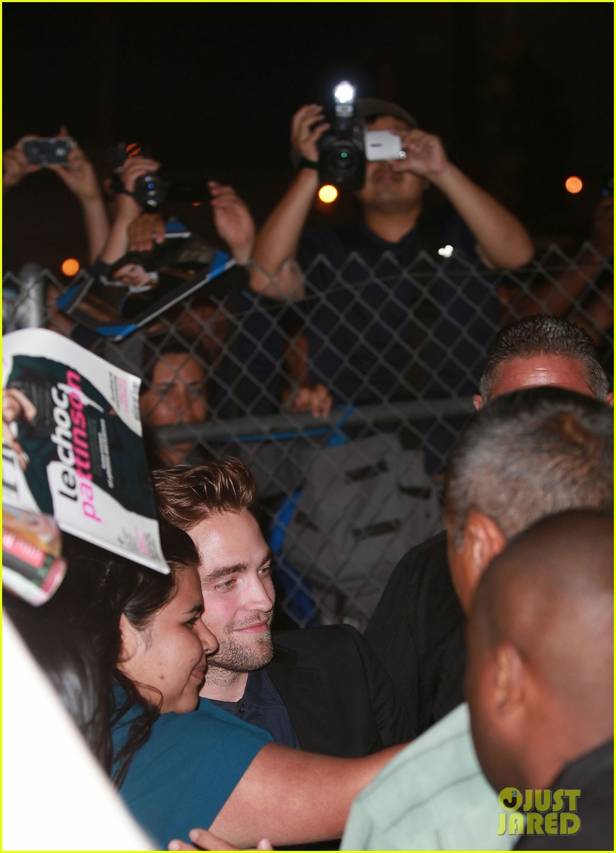 robert pattinson jimmy kimmel live appearance 13