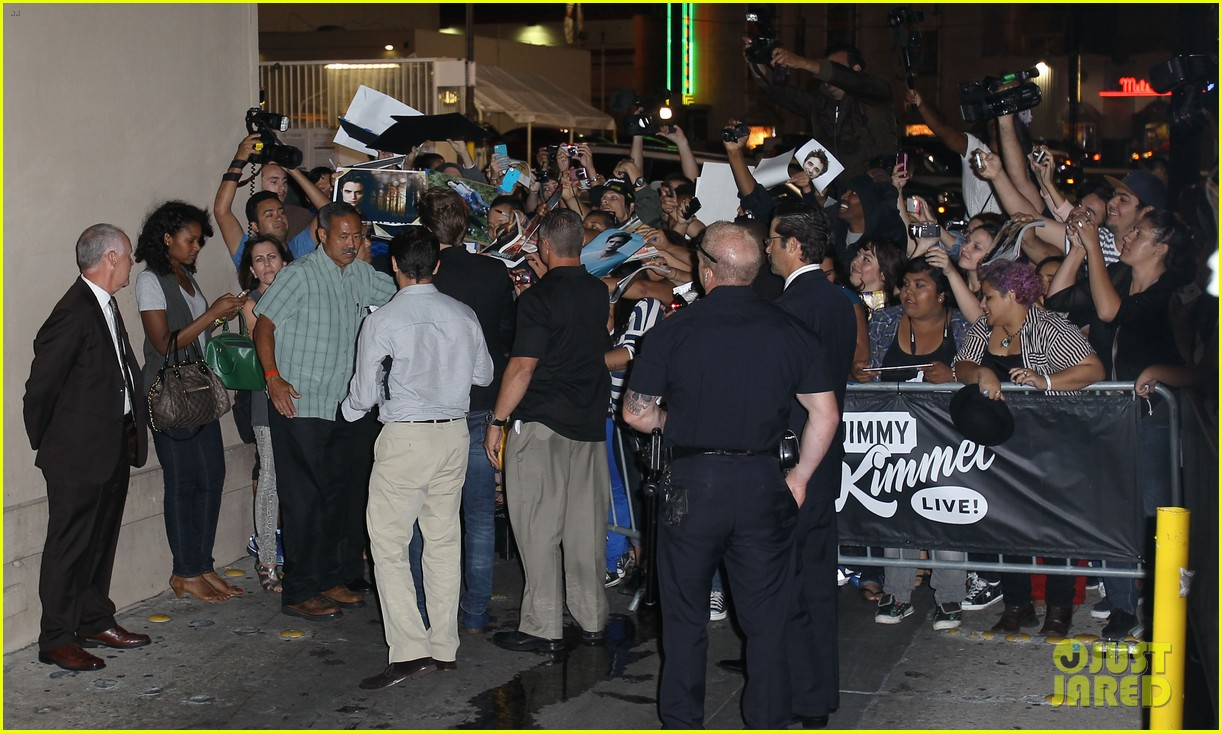 robert pattinson jimmy kimmel live appearance 21