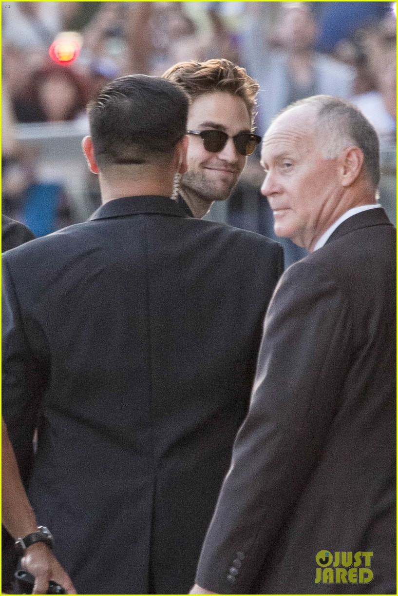 robert pattinson jimmy kimmel live appearance 40