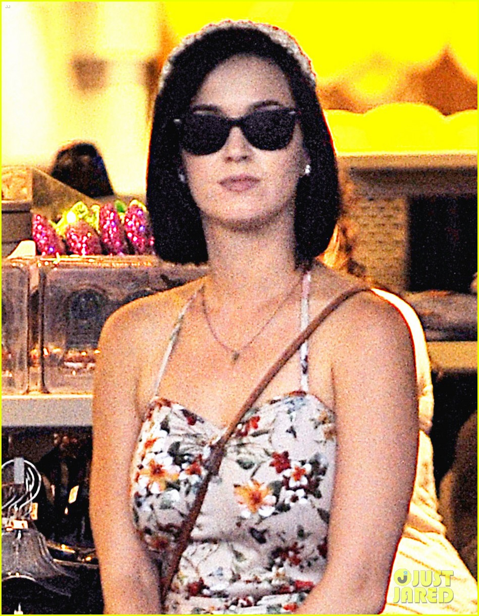 katy perry disneyland with shannon woodward 022709437
