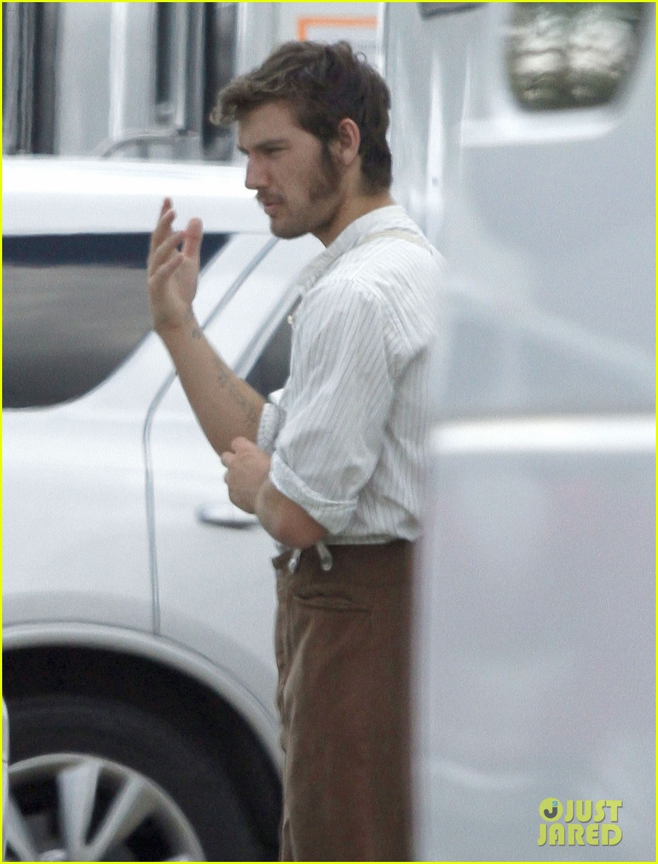alex pettyfer sideburns butler set 022705713