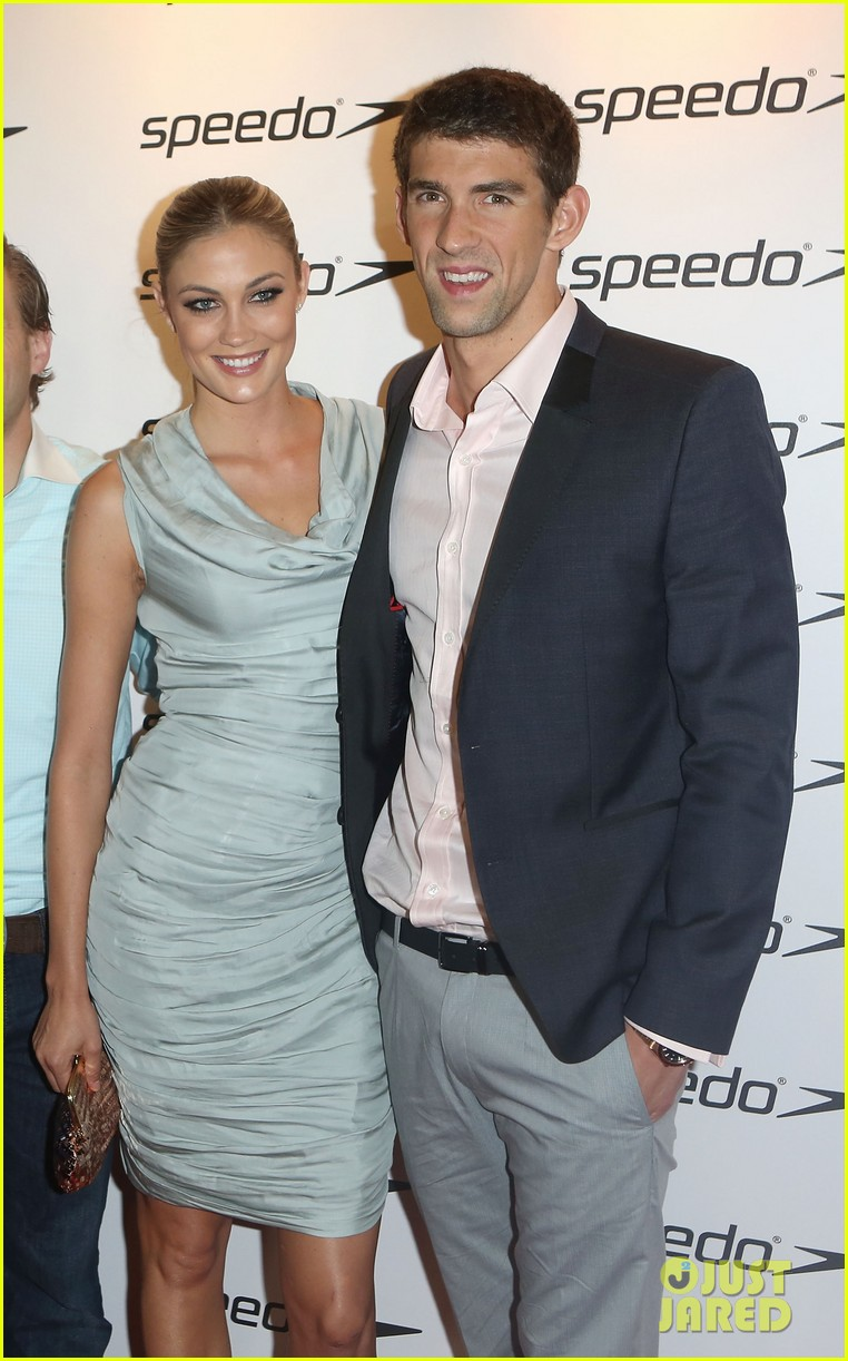 Full Sized Photo of michael phelps megan rossee red carpet debut ...