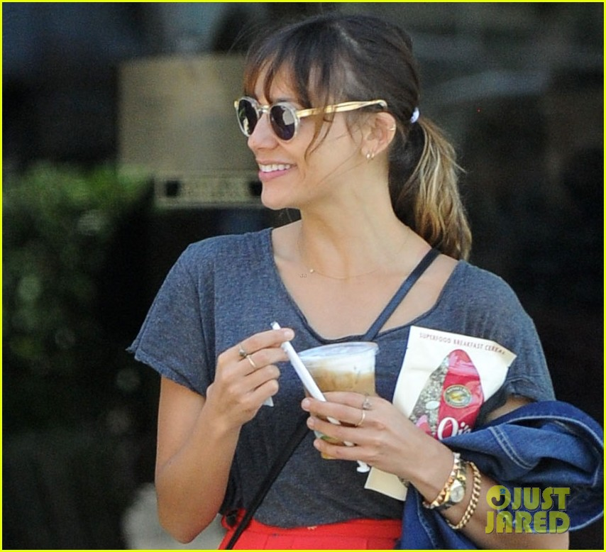 natalie portman aleph day out with rashida jones 03