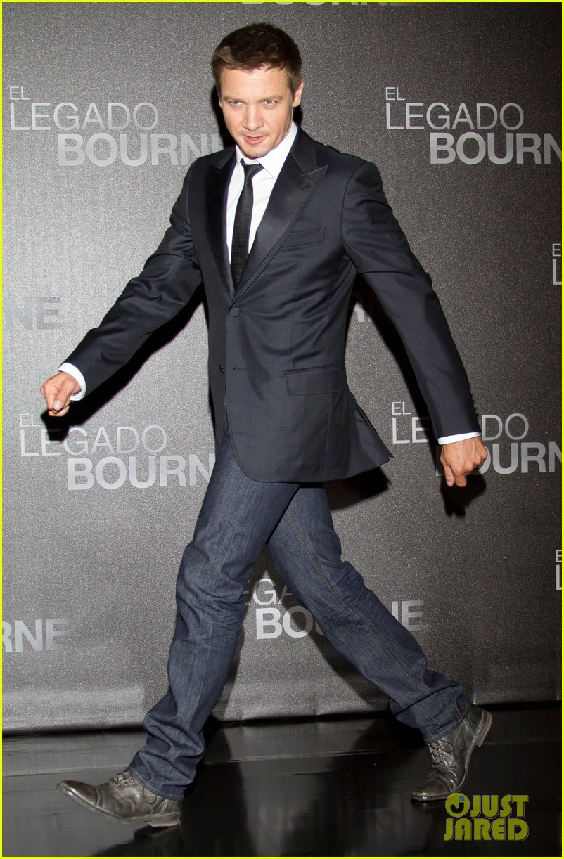 jeremy renner bourne legacy mexico city photo call 06