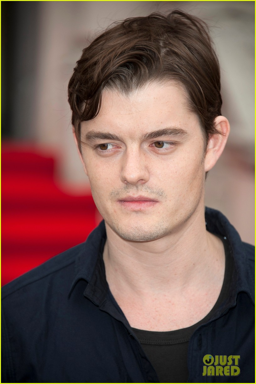 tom sturridge sam riley on the road uk premiere 10