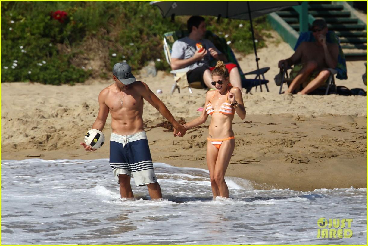 leann rimes bikini beach babe with eddie cibrian 062701482