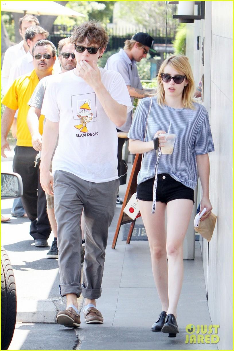 emma roberts evan peters coffee couple 052699852