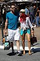 michael rosenbaum shopping with mystery gal 06