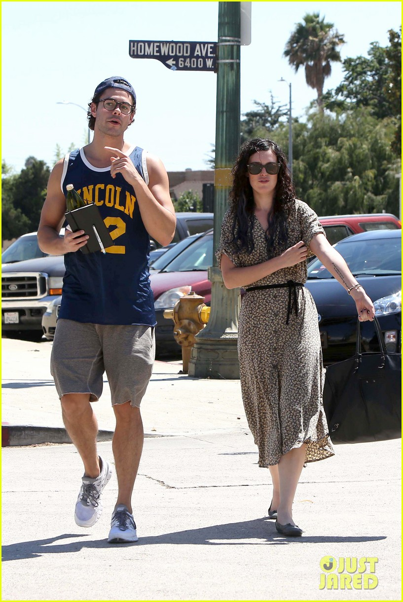 rumer willis jayson blair holding hands 09
