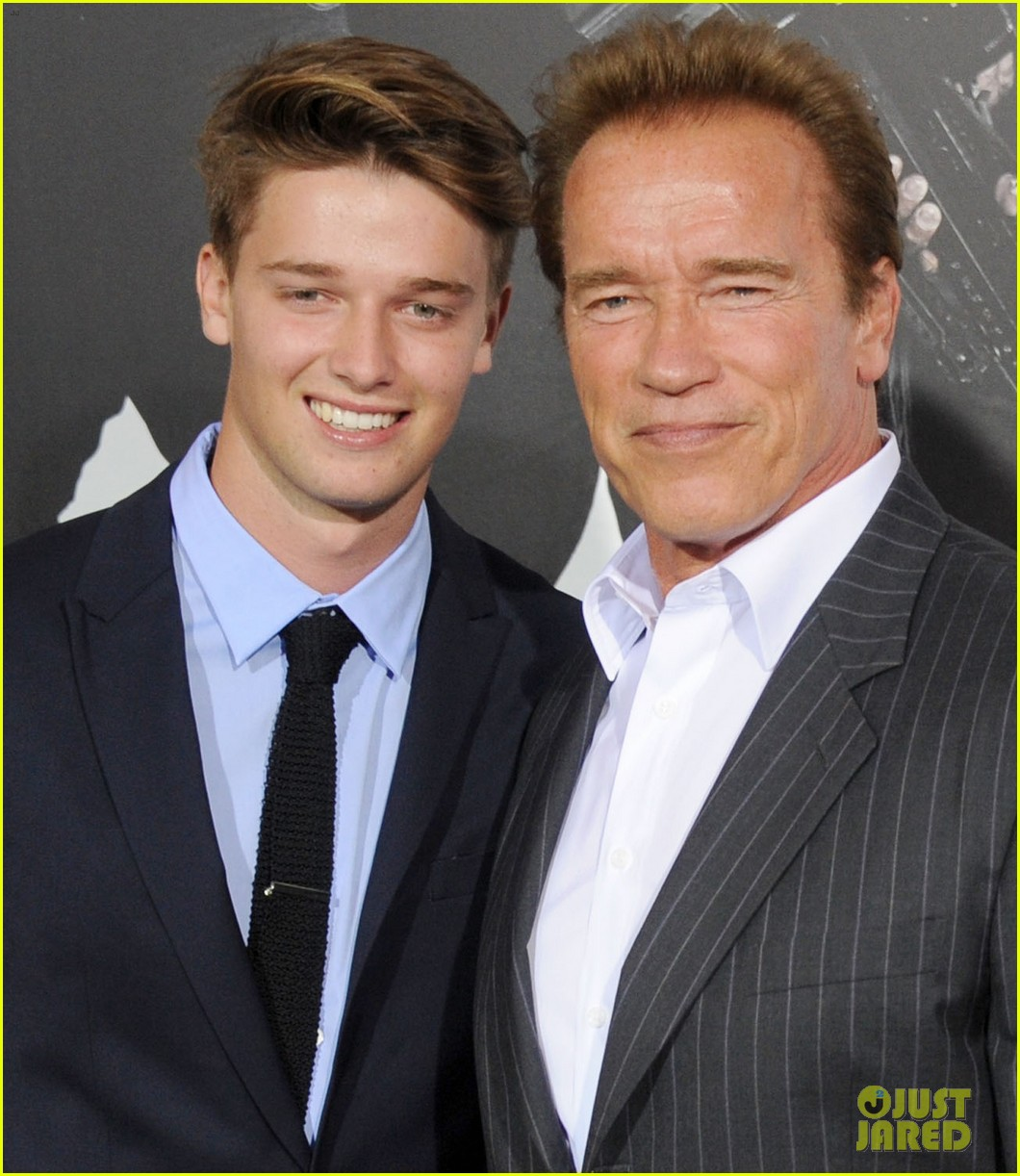 patrick schwarzenegger expendables 2 premiere with dad 042703064