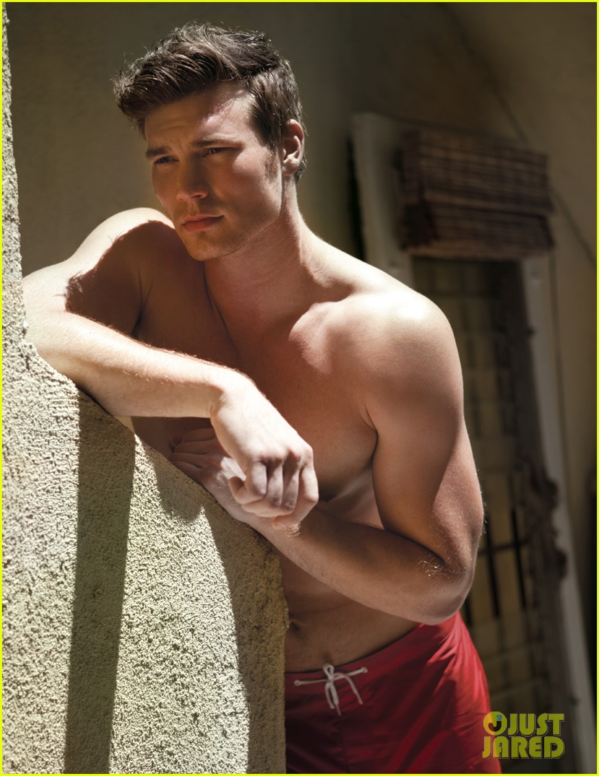 derek theler shirtless da man 02
