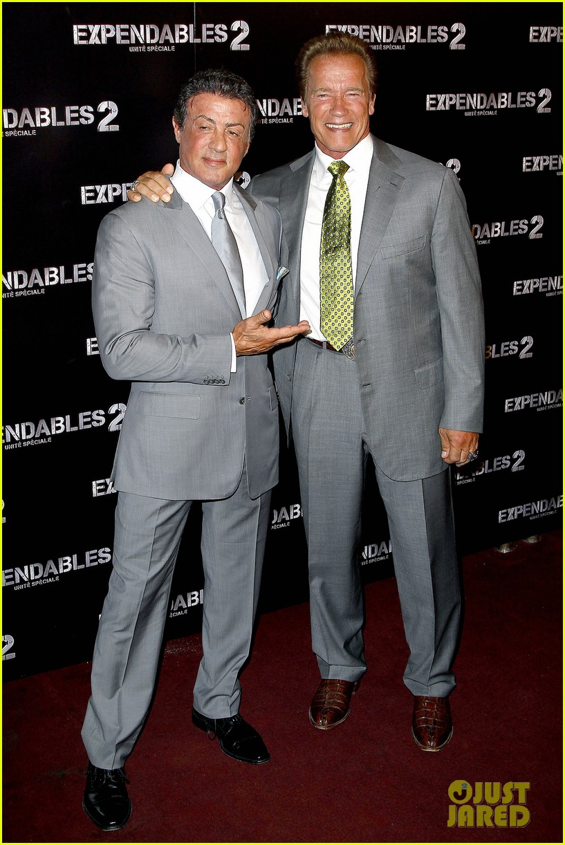 ¿Cuánto mide Sylvester Stallone? - Real height Schwarzenegger-stallone-statham-expendables-2-premiere-01