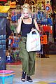 gwen stefani halloween shopping with kingston zuma 02