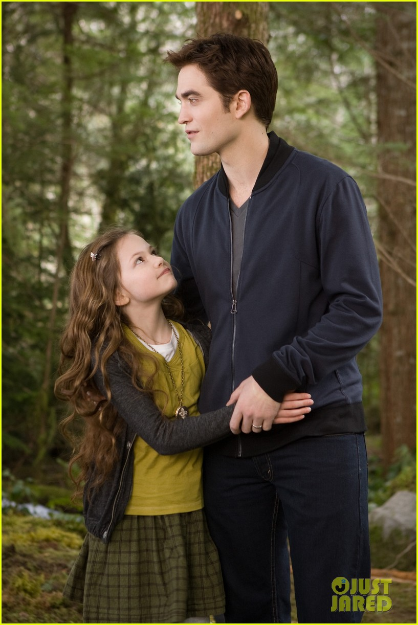 kristen stewart robert pattinson new breaking dawn stills 04