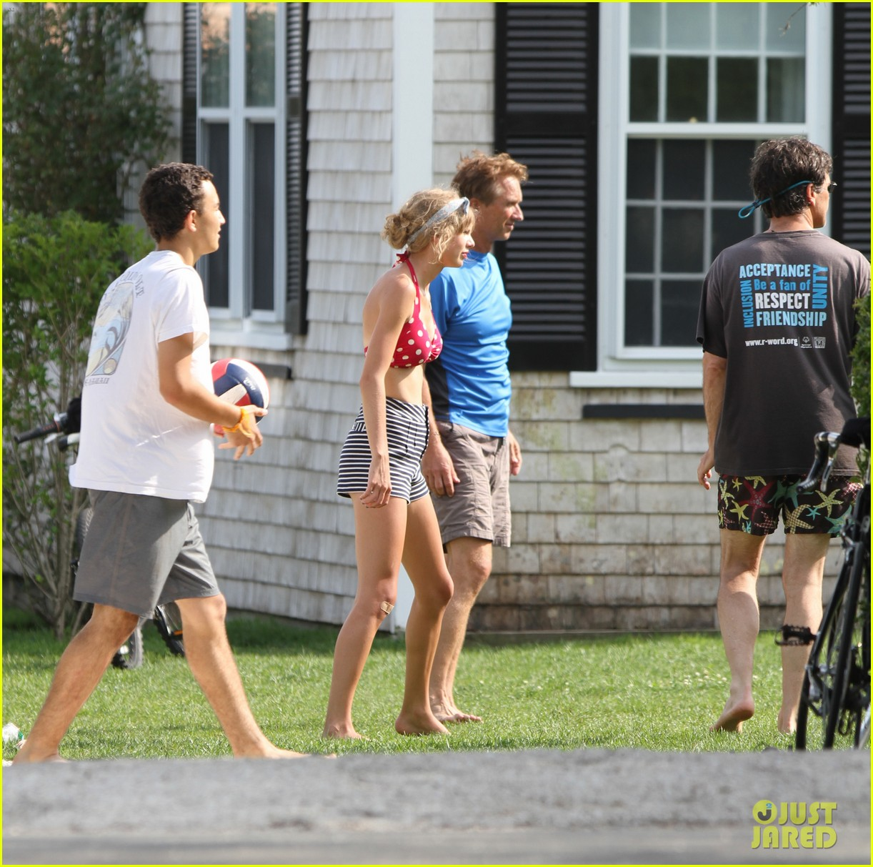 taylor swift kennedy compound with conors dad 052701371