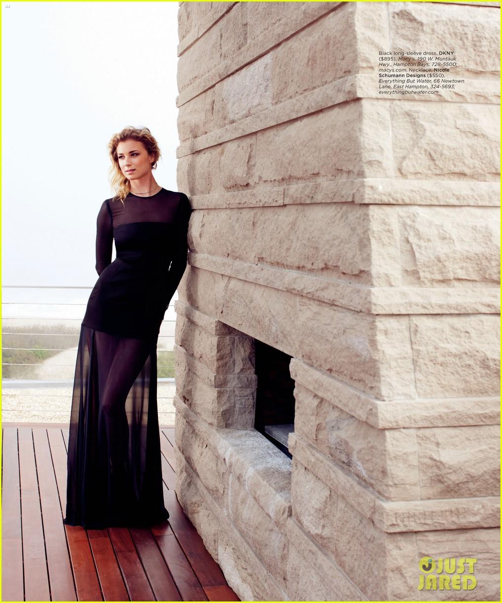 Revenge - saison 2 le 30/09, sur ABC - Page 5 Emily-vancamp-covers-hamptons-magazine-september-2012-04