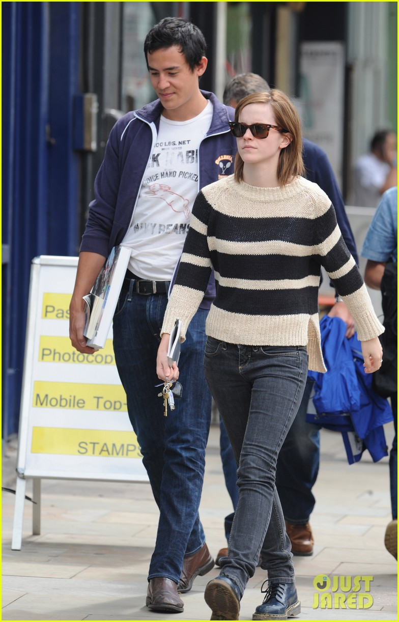 emma watson will adamowicz london stroll 042708840