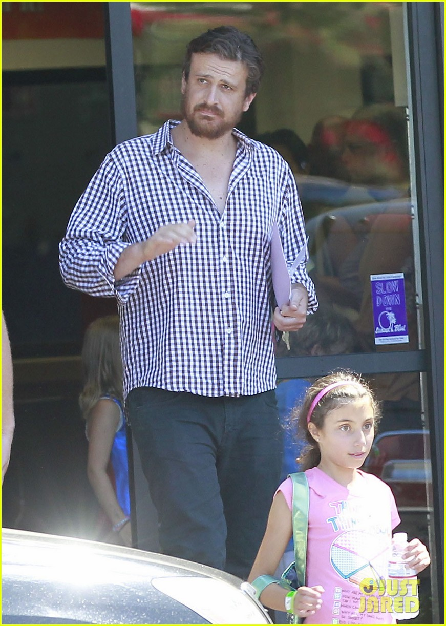 michelle williams jason segel matilda pick up 152697922