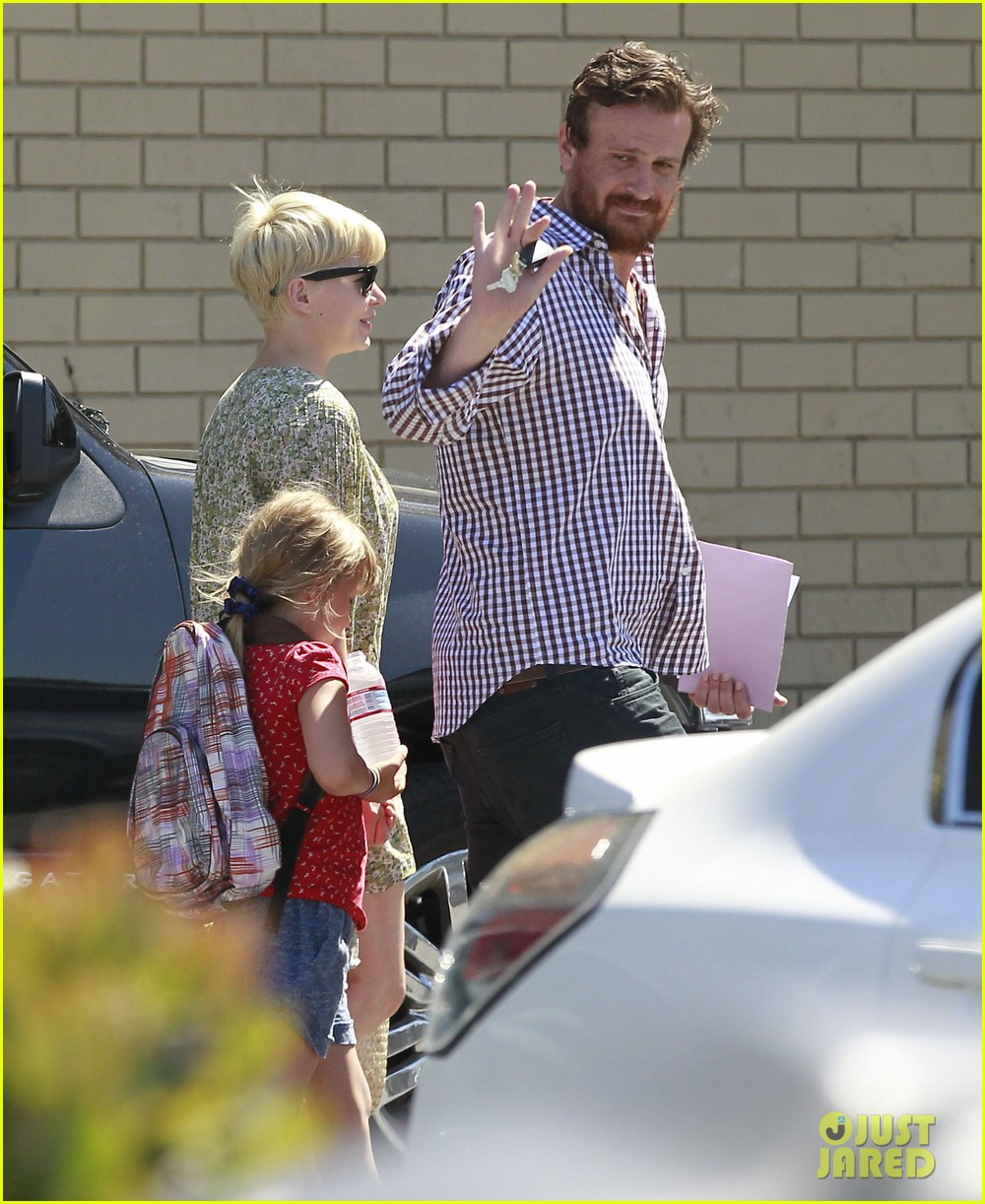 michelle williams jason segel matilda pick up 23