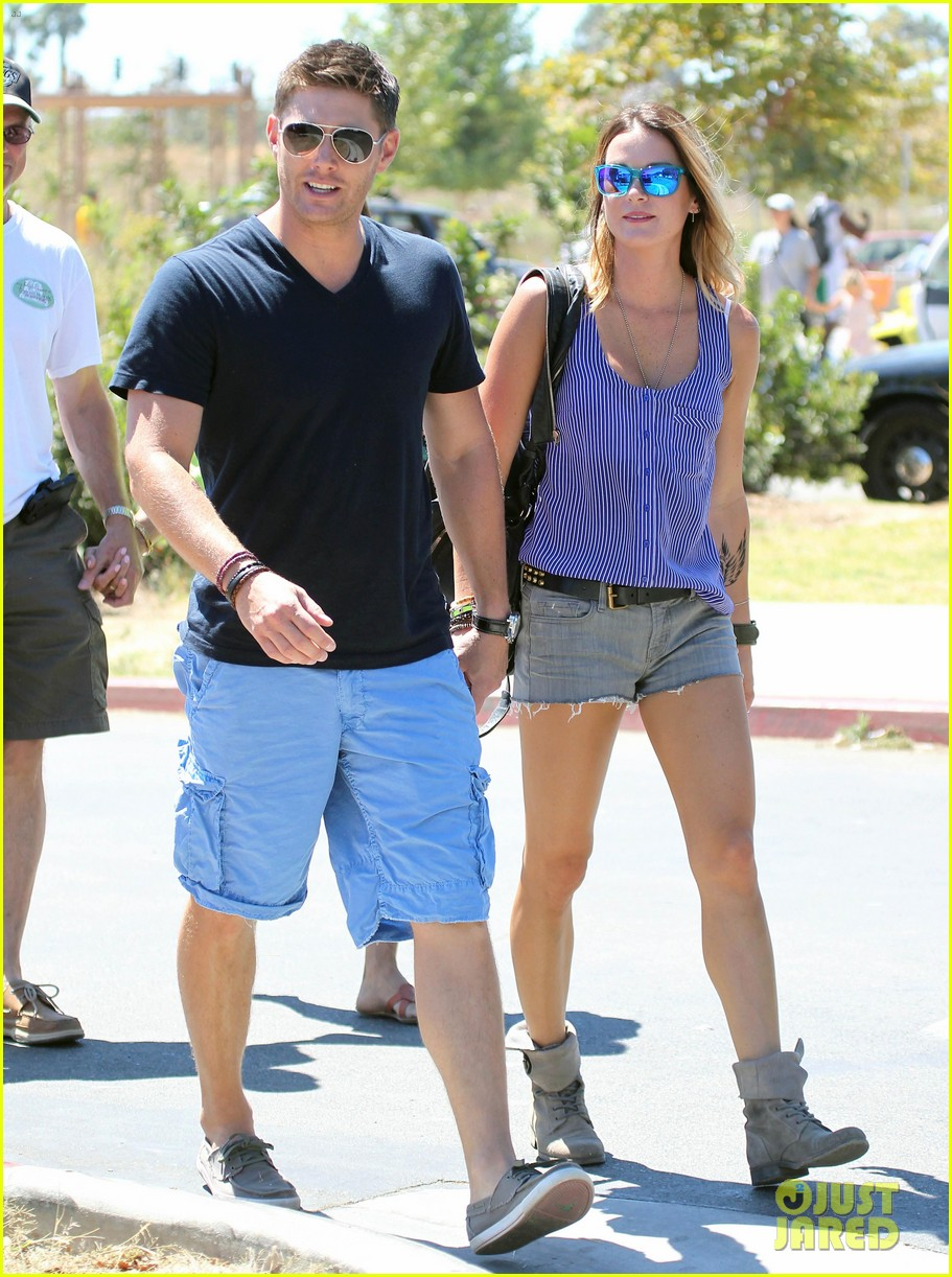 jensen ackles malibu chili cook off with danneel 08