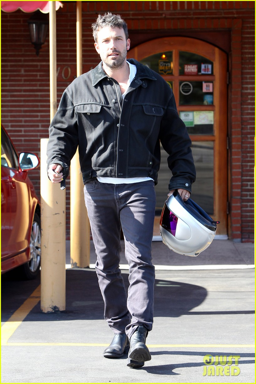 ben affleck culver city motorcycle man 012729885