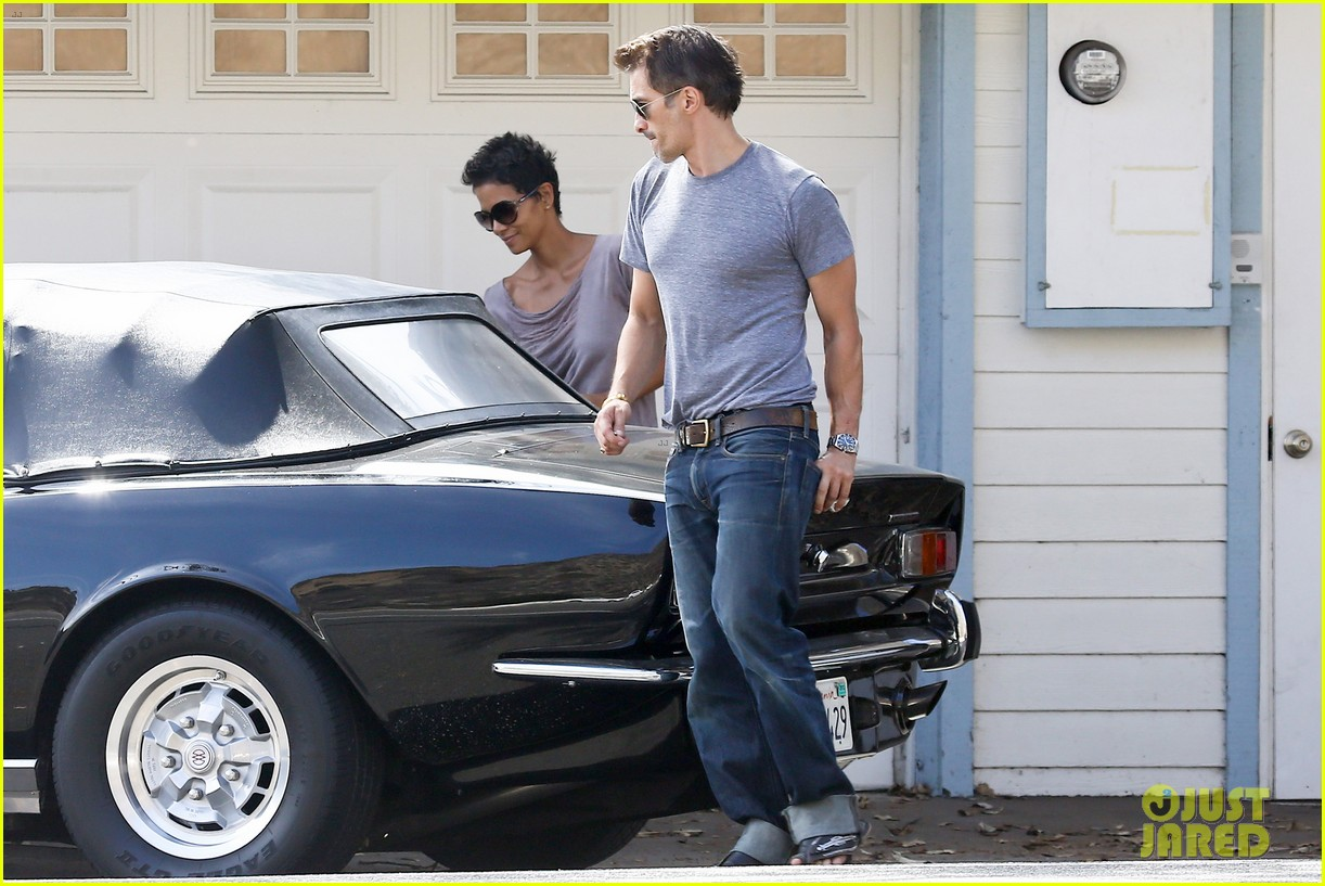 halle berry olivier martinez house hunting in malibu 04