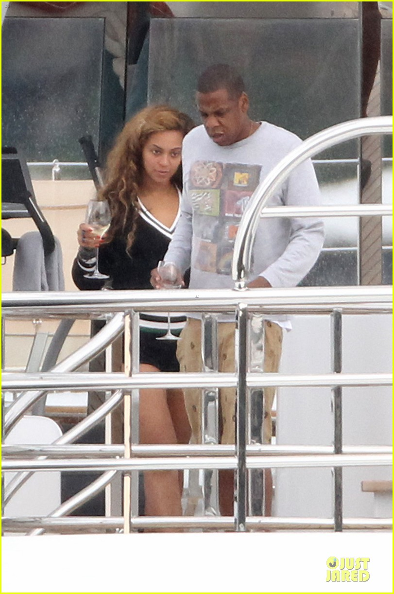 beyonce jayz yacht vacation france 032714304