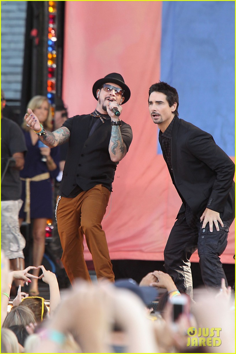 backstreet boys reunite for good morning america performance 06