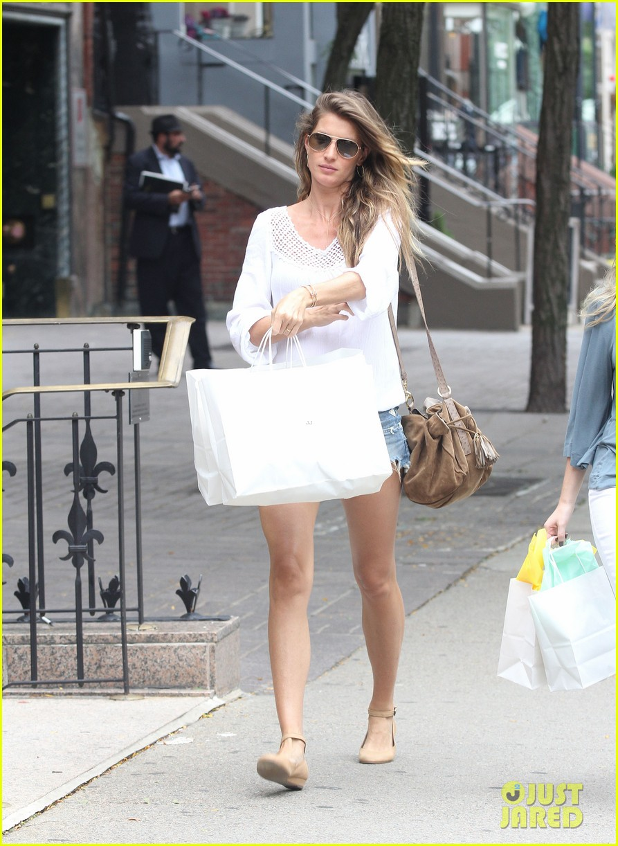 bgisele bundchen snacks and shops 04