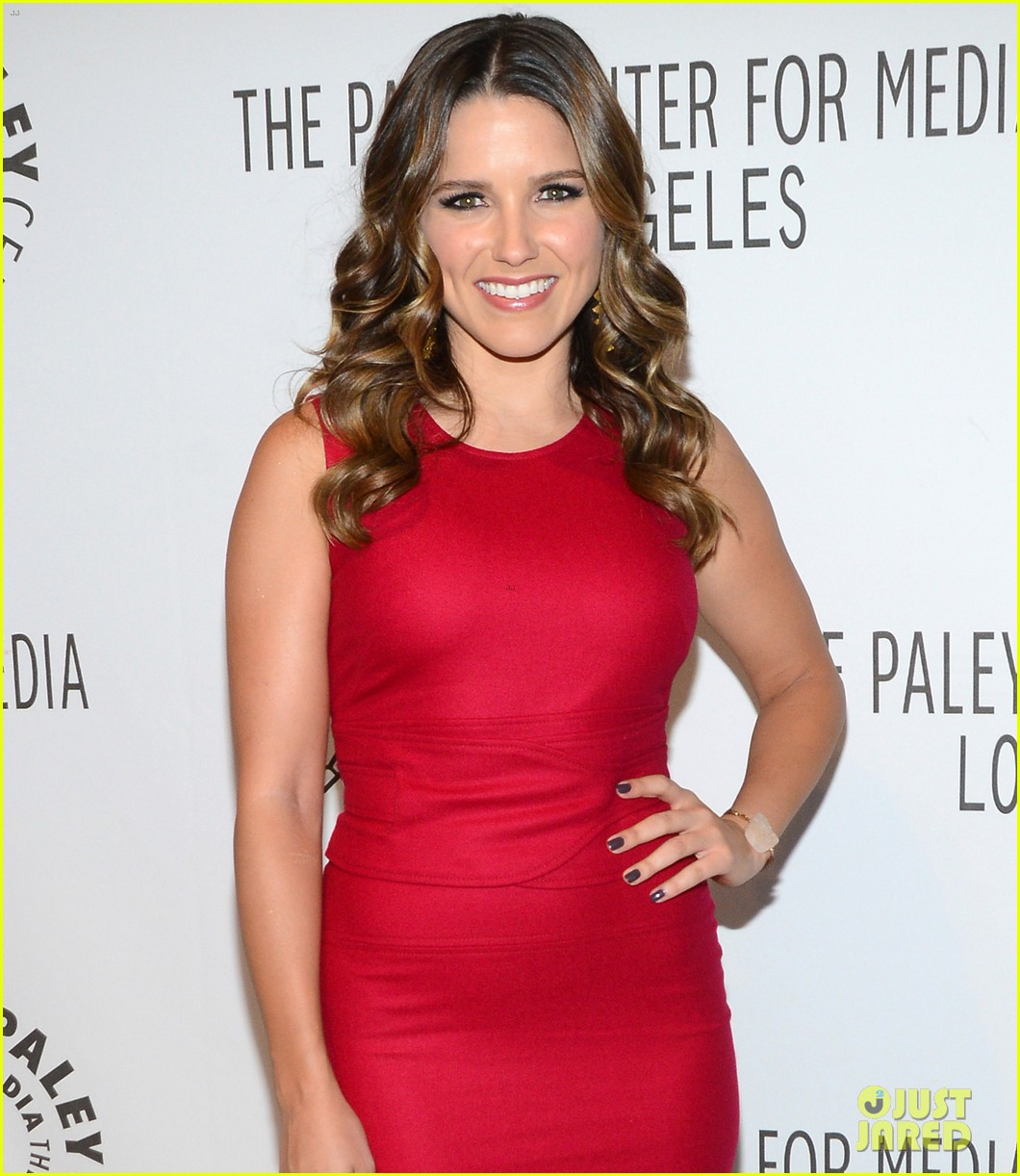 sophia bush paleyfest with partners cast 05