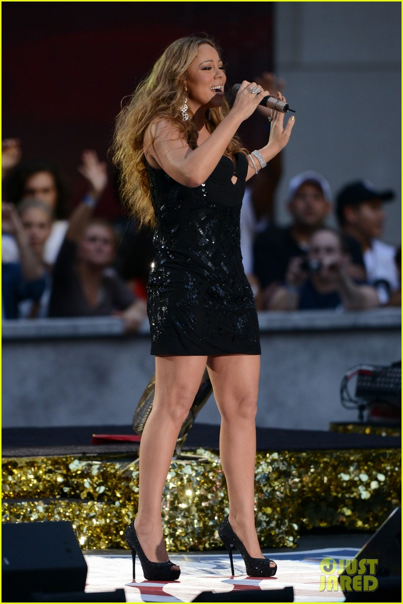 mariah carey triumphant at nfl kick off concert 28