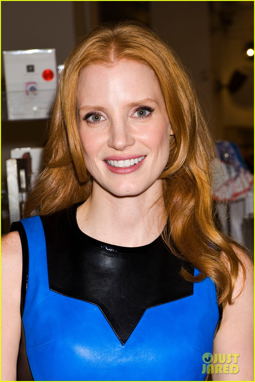 jessica chastain fashions night out at jeffreys 04