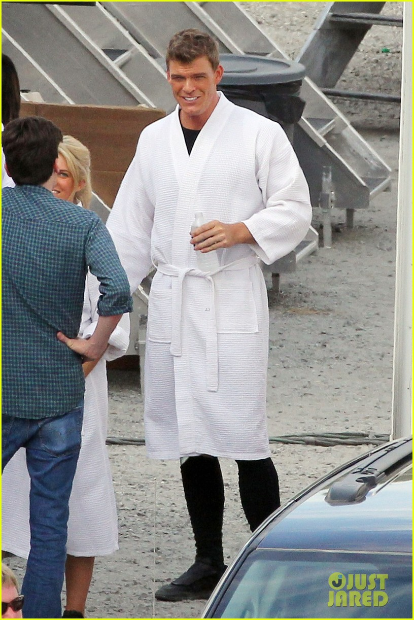 sam claflin jena malone hunger games catching fire set 07