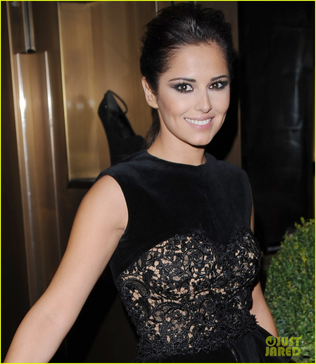 cheryl cole giuseppe zanotti for fashions night out 01