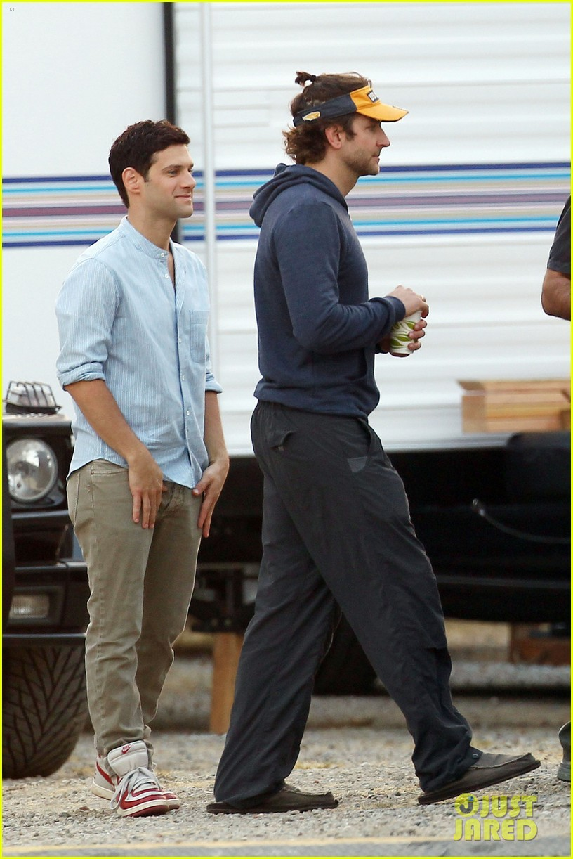 bradley cooper ponytail on hangover 3 set 012719425