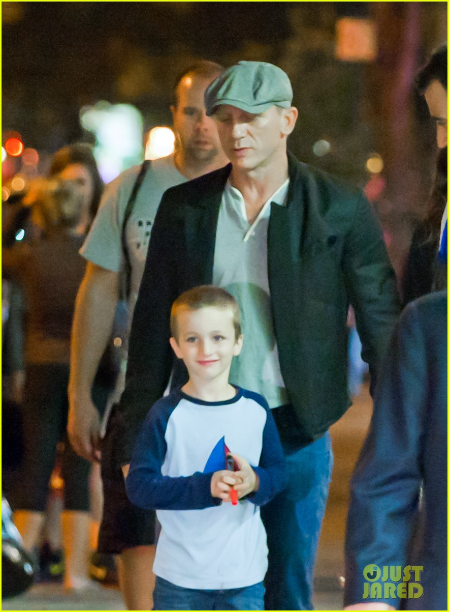 daniel craig rachel weisz big apple dinner with henry 022730342