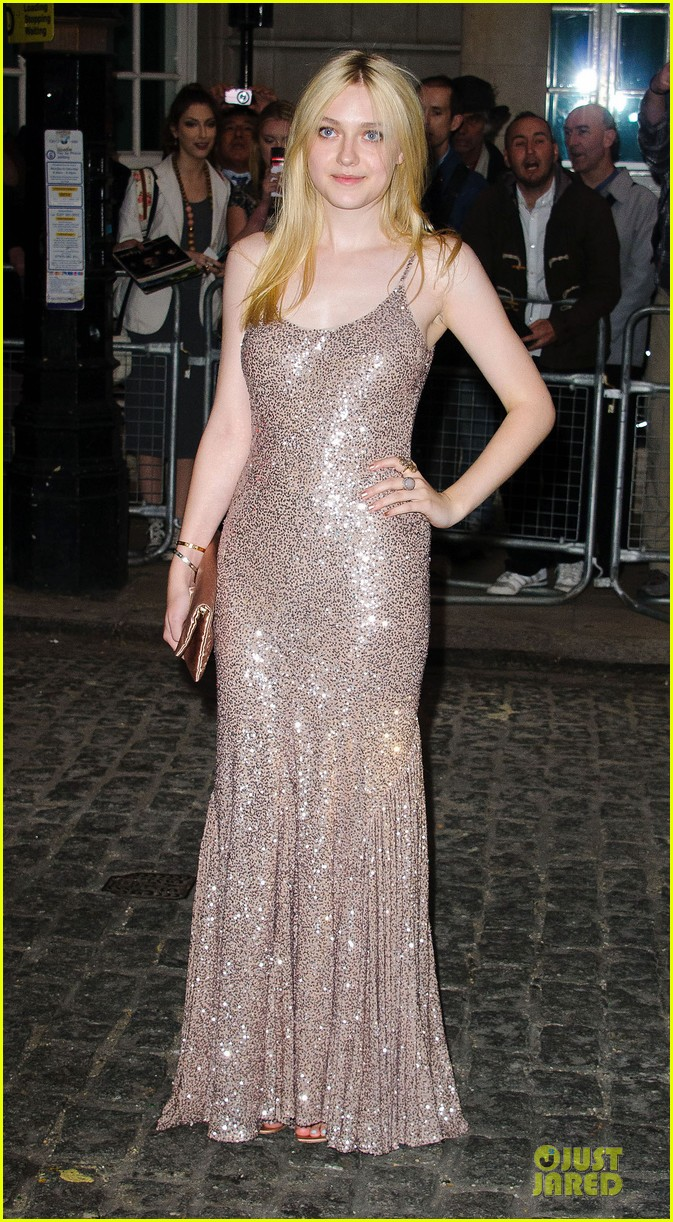 dakota fanning jeremy irvine now is good uk premiere 19