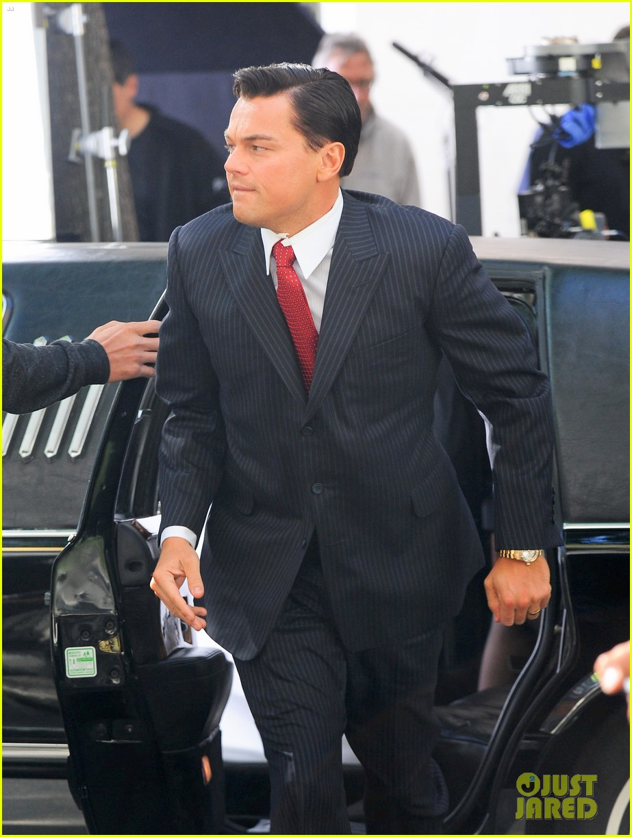 leonardo dicaprio wolf of wall street set with margot robbie 132728301