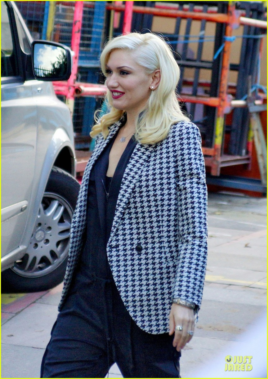 gwen stefani no doubt answers twitter questions 17