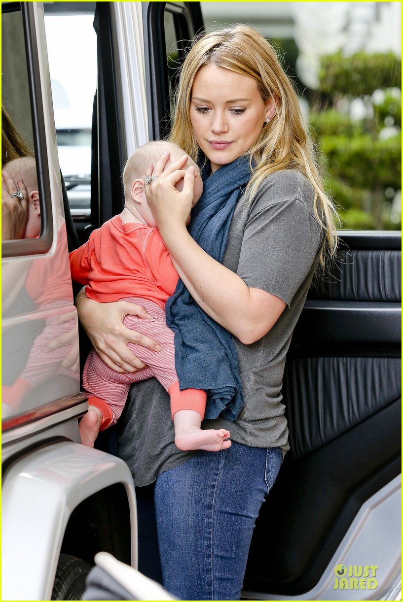 hilary duff ordering salad dressing on side depressing 042715308