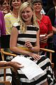 kirsten dunst isla fisher lizzy caplan good morning america gals 01