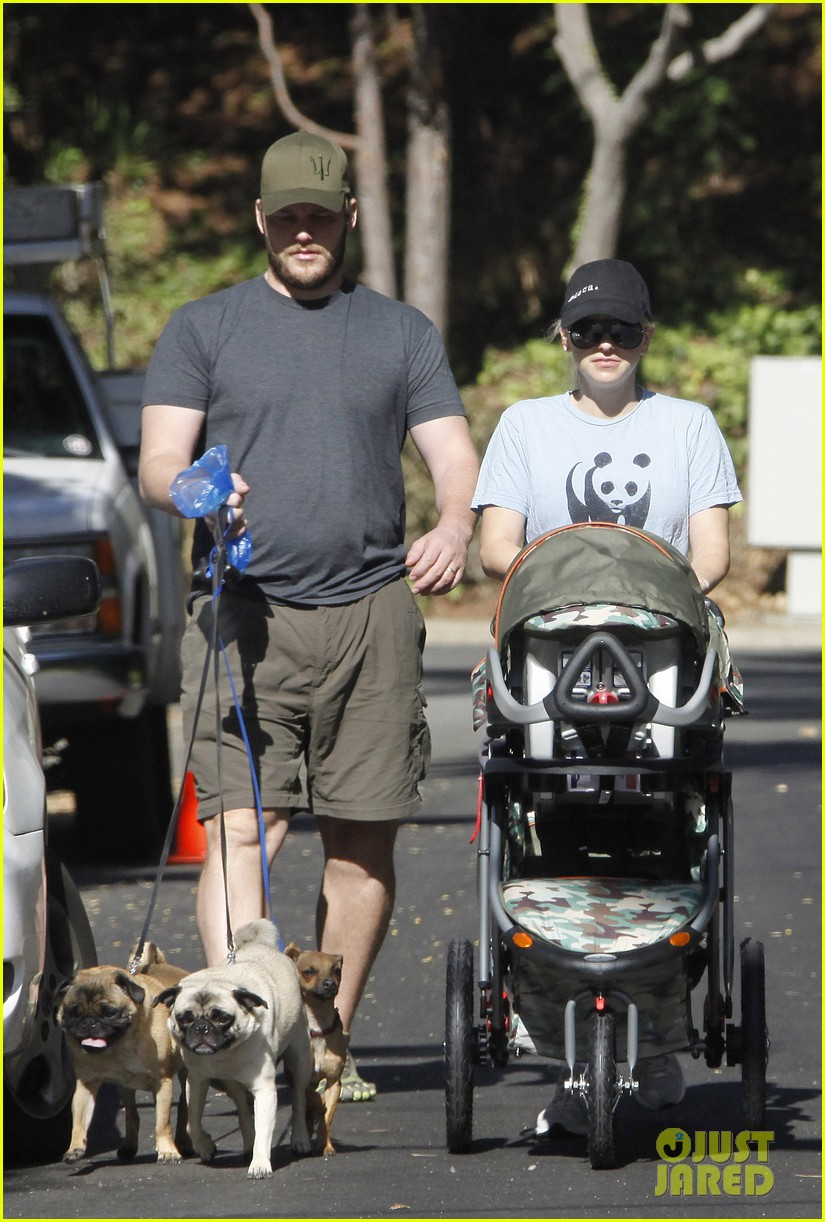 anna faris chris pratt strolling with baby jack 072730465