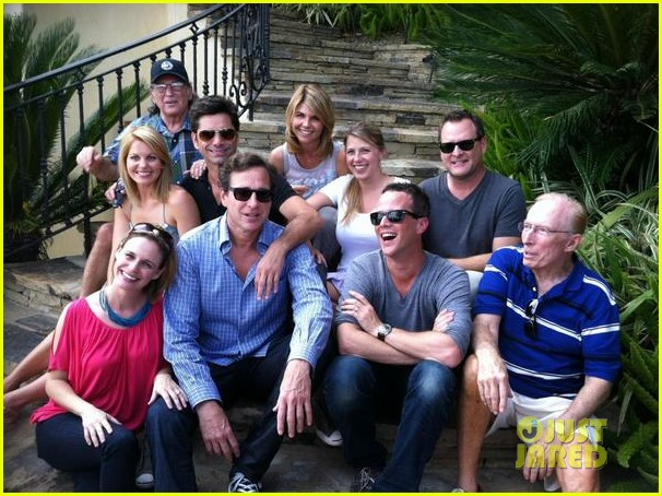 full house cast reunites for 25th anniversary pics 01