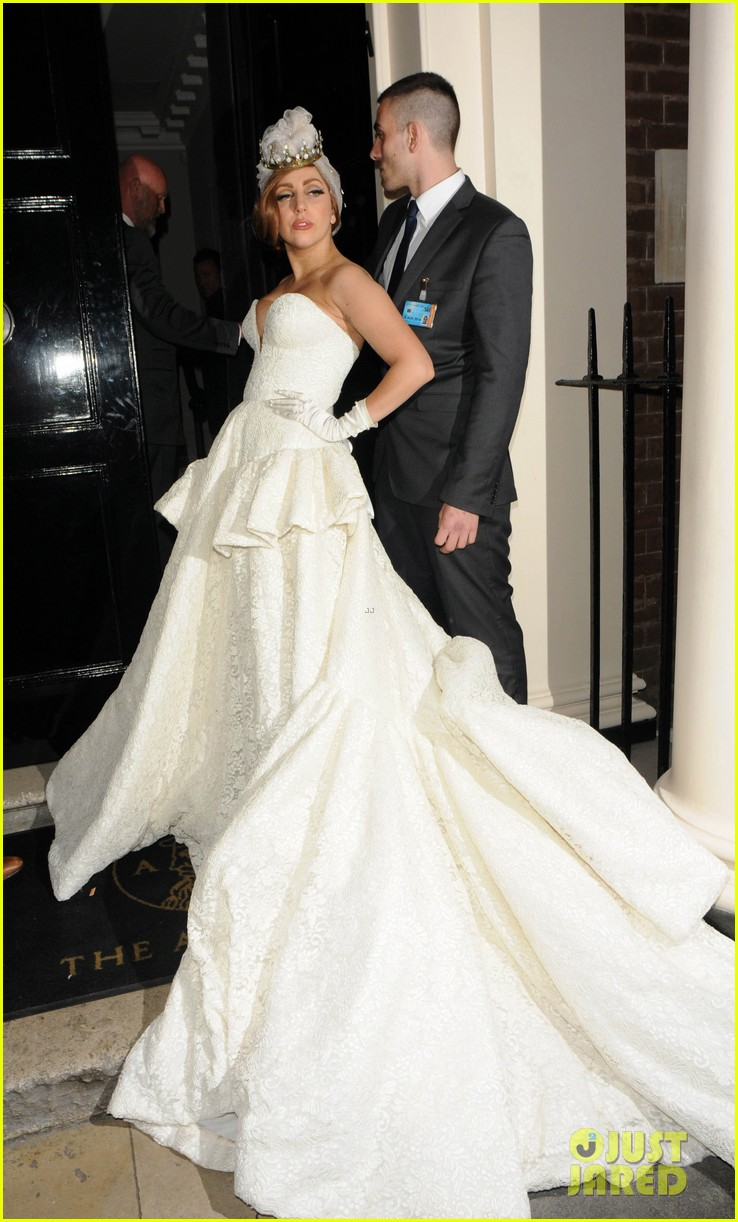 lady gaga wedding dress for paralympic games after party 05