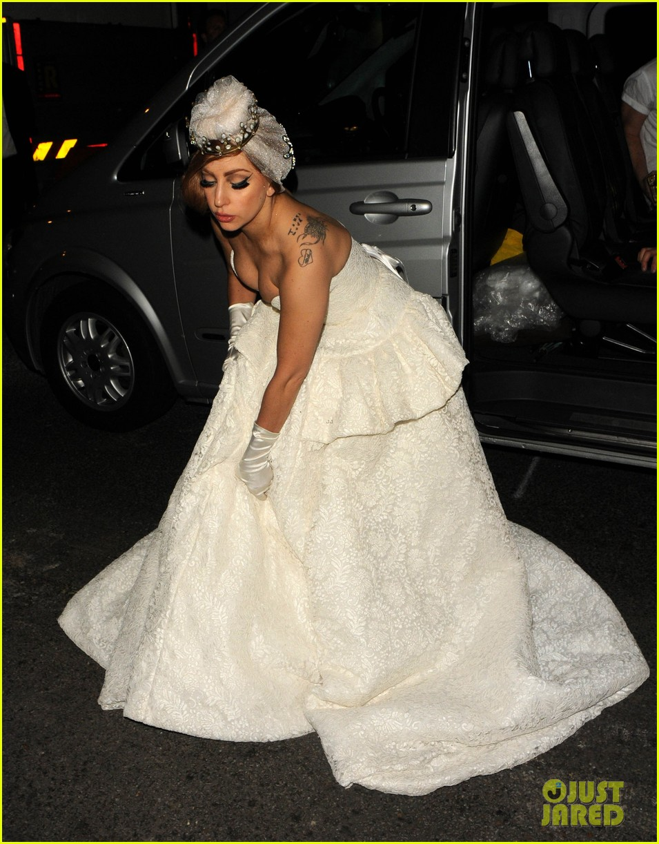 lady gaga wedding dress for paralympic games after party 072718525