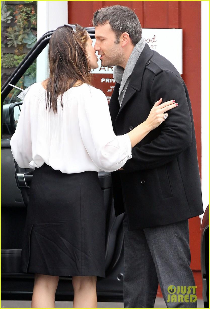 ben affleck jennifer garner kiss kiss 19
