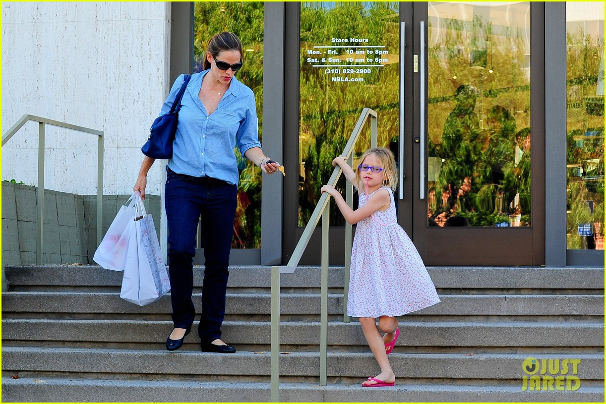 jennifer garner weekend outings with the kids 262728146